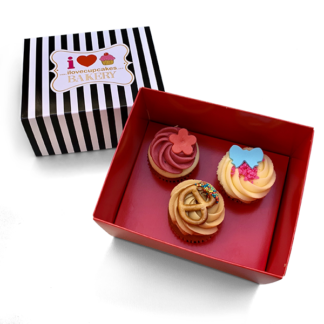 box of 3 medium cupcakes