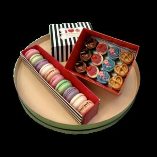 mini set - cupcakes and macarons