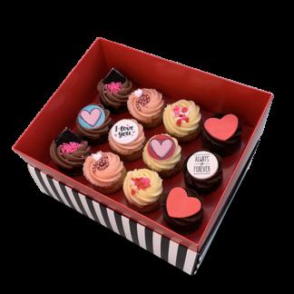 קופסת מתנה 12 קאפקייקס בינוני אהבה
